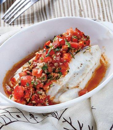 吃货大食堂烤鱼,小鸟酱,烤鱼排佐莎莎酱