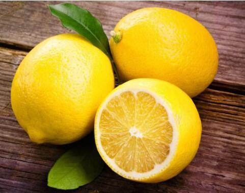 柠檬汁过量的9种副作用:酸味